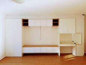 aokkitchens-gallery-entertainment-with-white-cupboard