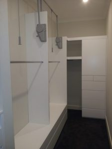 aokkitchens-gallery-white-single-wardrobe