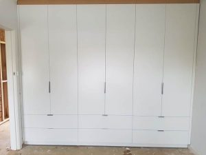 aokkitchens-gallery-white-wardrobe